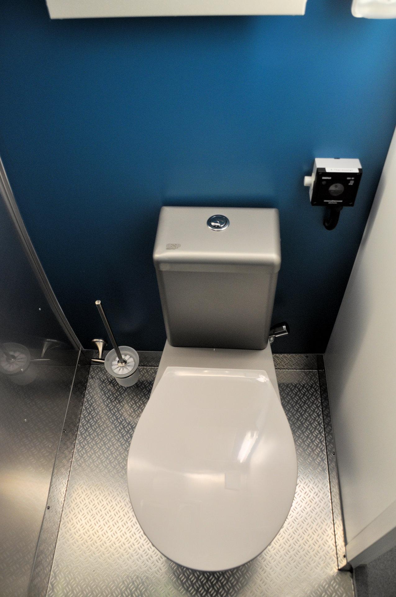 08 Toilettenraum
